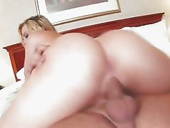 Big assed beauty Alexis Texas is riding her mans cock like a filthy cowgirl