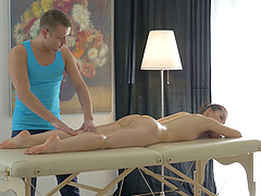 Anal happy ending with the massage beauty on his table