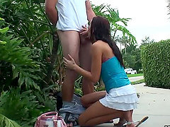Alexis Grace Loves Blowing Cocks in the Park