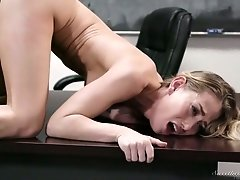 Strict teacher in glasses Ryan Keely gets her pussy licked by sizzling college chick