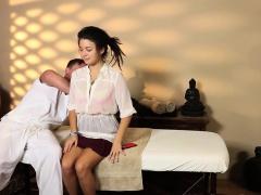 Duped teen spunk masseur