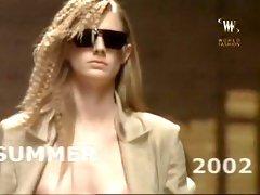 Paparazzi-Naked Hollywood-12 Sexy Catwalk