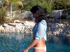 Brunette Sunny Leone gets naked