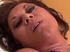 Hot 50yo lady gets her twat licked and fucked