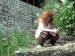 Outddor Voyeur Public Peeing Girls 4