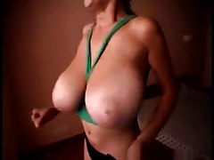 latina BIG tits flash