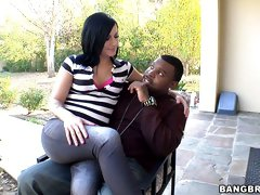 Curvy tattooed bitch Tori Lux gets her boobs sucked by black guy