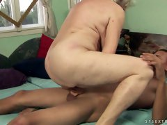 Young dude drills hard naughty cougar woman missionary and cowgirl style