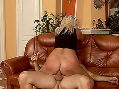 chubby mature broad rides a dick like in her golden days