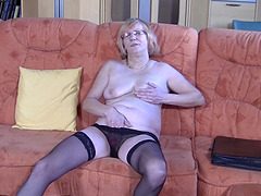 Slutty bespectacled granny loves fingering her orgasmic snatch