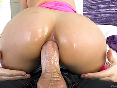 Vanessa Sky gets her asshole oiled up and ready for a hardcore fuck