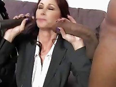 Tiffany Mynx gets Double Penetrated