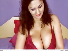 Awesome webchat brunette with huge tits playing with herself